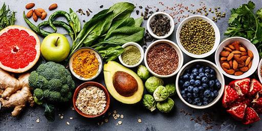 Các loại rau xanh và quả tươi rất tốt cho người nhóm máu O